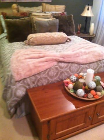 Pristine Bedroom in Townhouse
