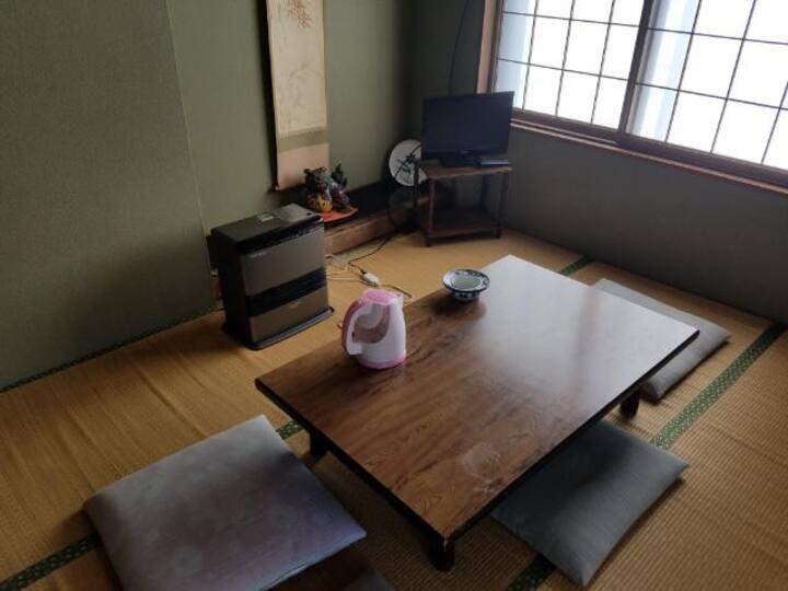 40 minutes to Kanazawa from Takaoka