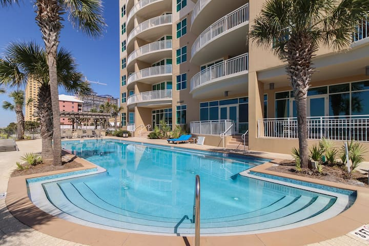 Waterfront rental in an upscale resort w/ shared pool, hot tub, & gym