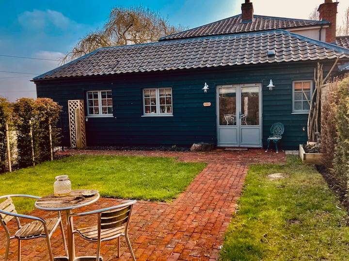 The BeeKeepers - Homely Luxurious Self Catering