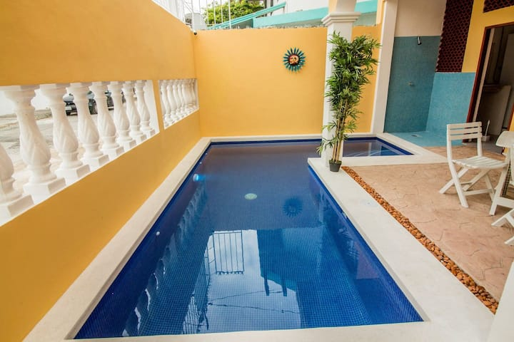 6 bedroom 4 baths Pool and Roof Top Deck