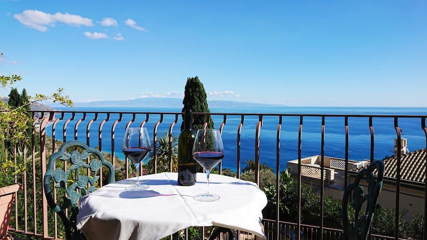 Villa Galante Taormina Appartamento vista mare 1