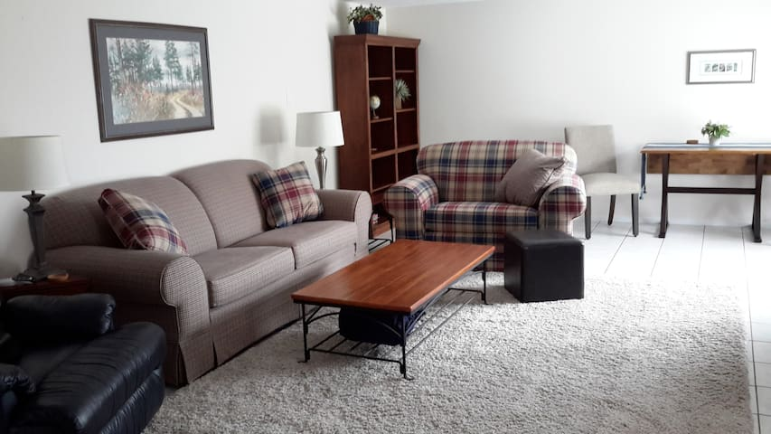 Lovely, quiet, clean,comfortable, Ofallon,MO. - O'Fallon - Suite tamu