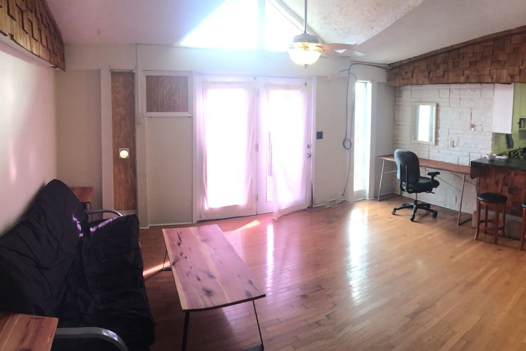 Pet Friendly Artist 39 S Studio In South Knoxville Apartments For Rent In Knoxville Tennessee