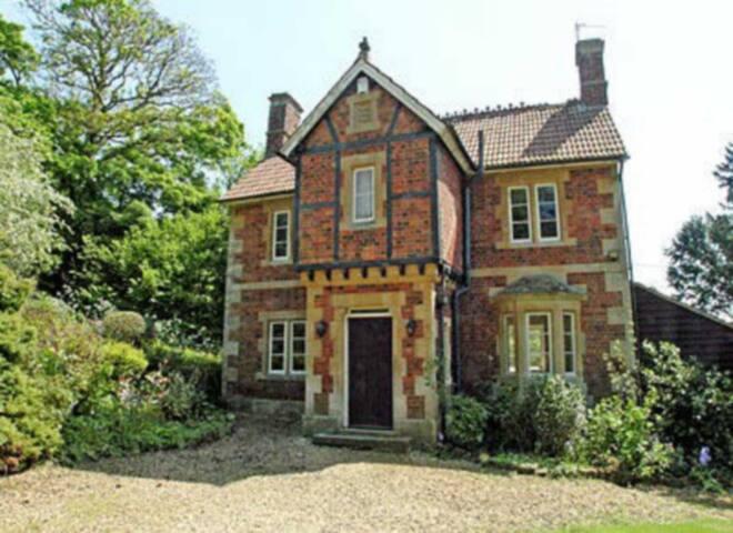 Lex Cottage (PGGF)