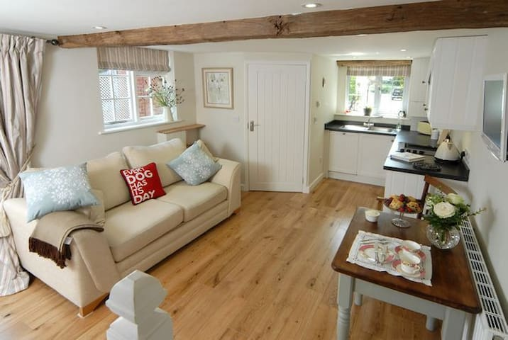 Holly Cottage Childswickham Broadway