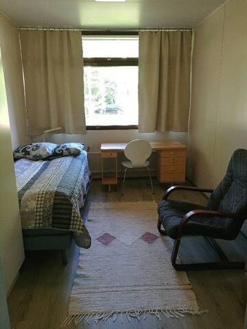 Yksityinen huone (N:o 9)