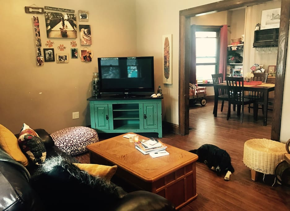 Rocking bachelorette pad apartments for rent in buffalo for Bachelorette apartment