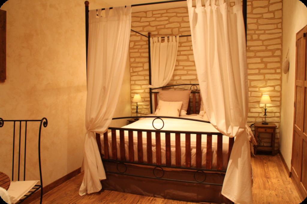 La bourgonnaise chambre d 39 h te romantique chambres d for Chambre d hote st martin vesubie