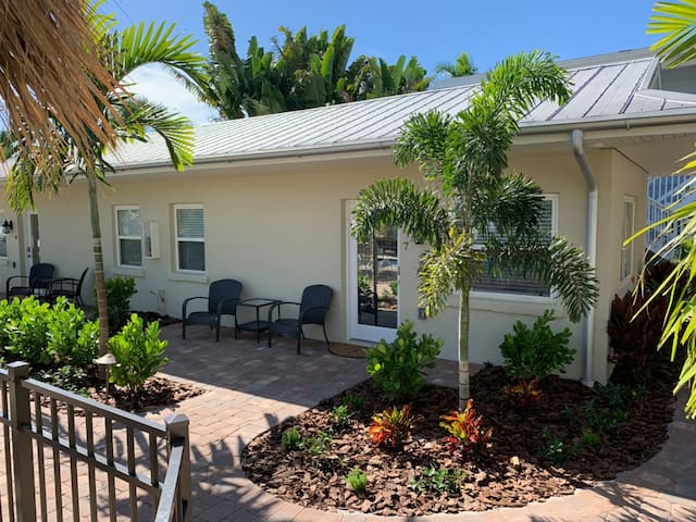 The Twin Palms Siesta Key Hotel Room 7