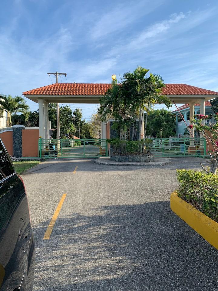 Cómoda Villa en Boca Chica