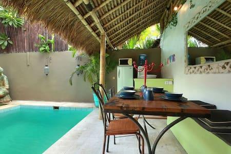 Seminyak Beach Bungalow 2 bedrooms - Kuta - Villa