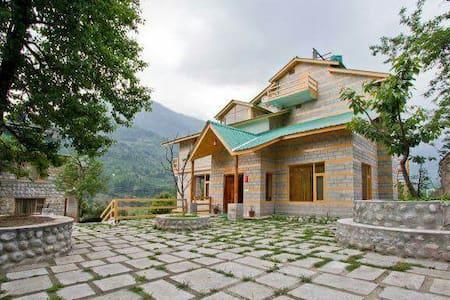 Manzana Woodlet Cottage, Manali - Manali - Villa