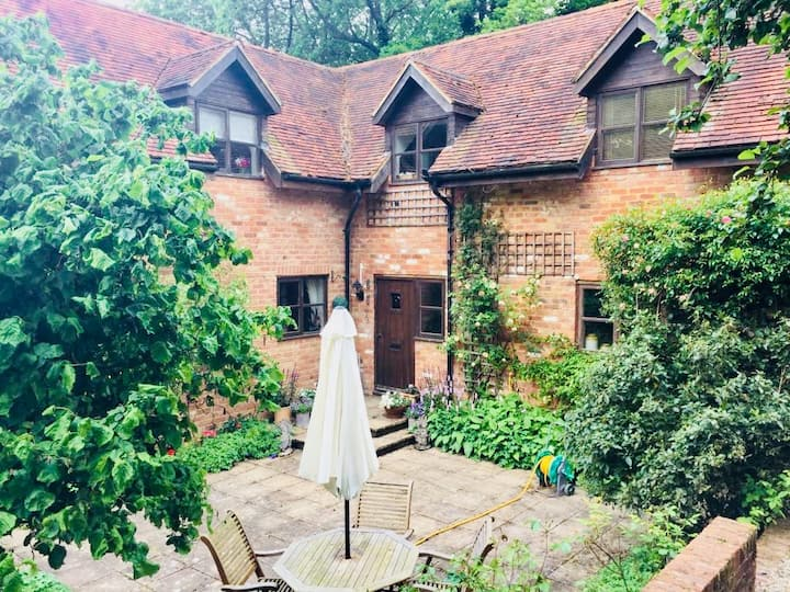 Double Bed Room - Nettlebed 10mins from Henley