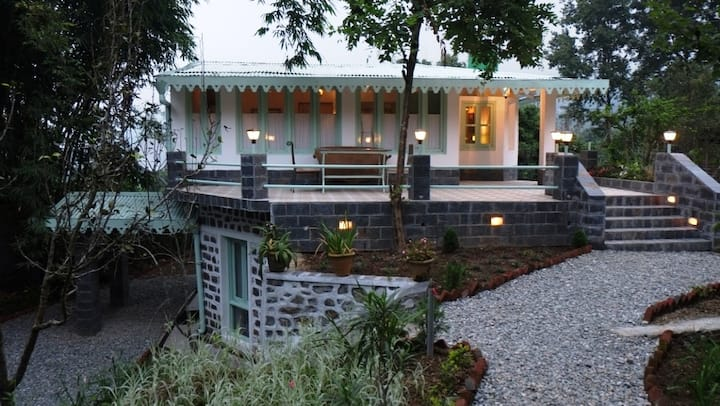 2 Bedroom Villa(Bungalows Lake Side Naukuchiatal)
