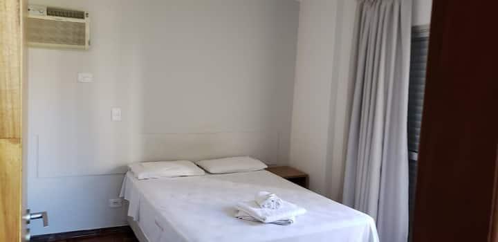 Apartamento Casal (302)- Av. JK com Higienópolis