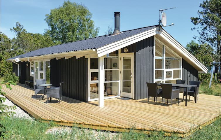 Holiday cottage with 3 bedrooms on 119m² in Ålbæk
