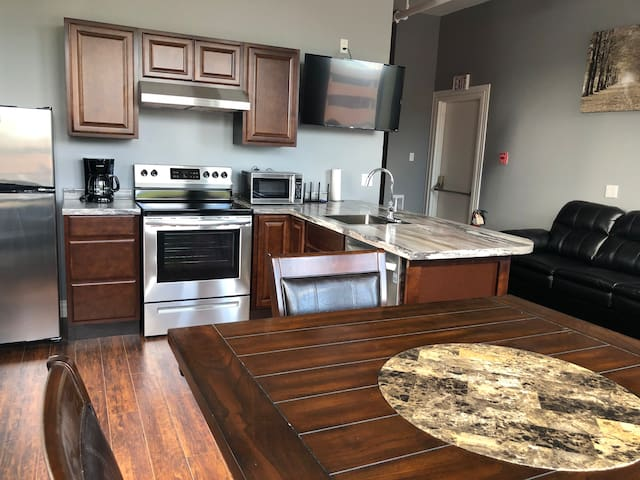 Newly renovated apartment in the heart of downtown