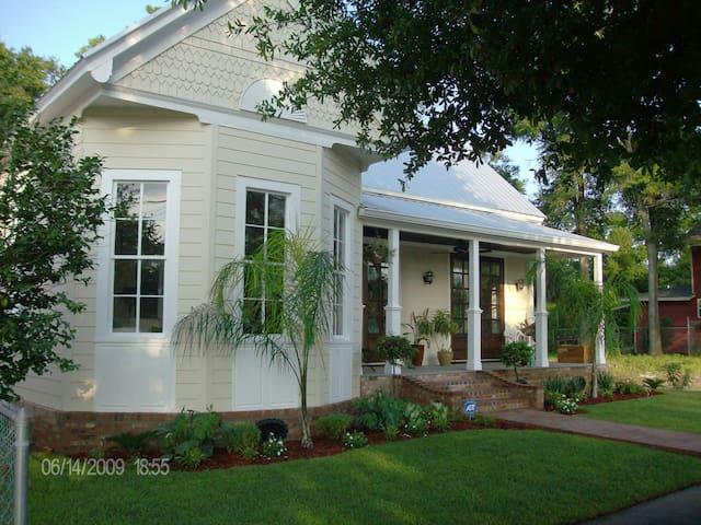 Historic Luxury Cottage