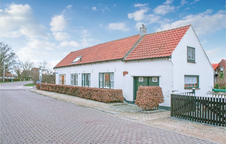 Holiday cottage with 2 bedrooms on 56m² in Retranchement