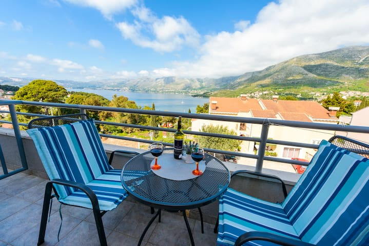 Amazing View from a Charming Studio - Cavtat - Apartment