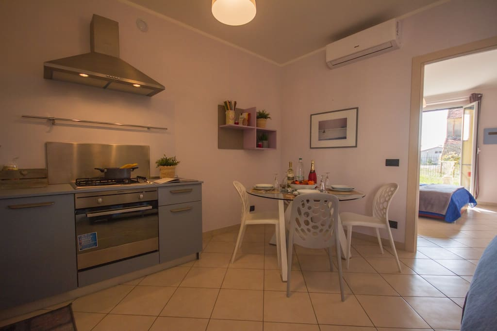 Kitchen area with a dining set
