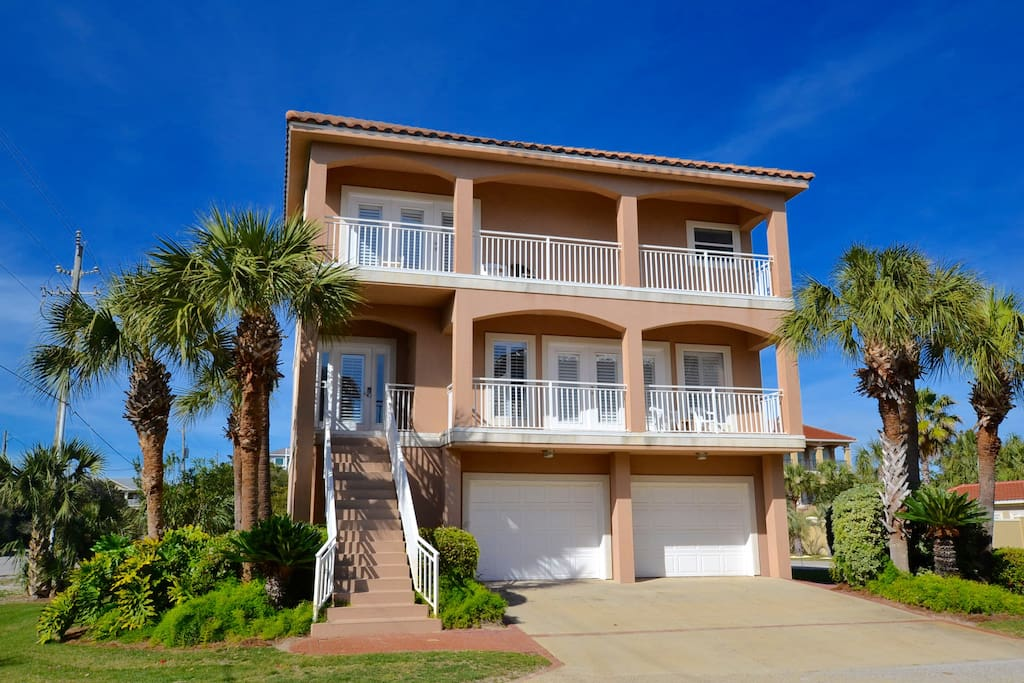 Spacious Home across from fabulous shopping!