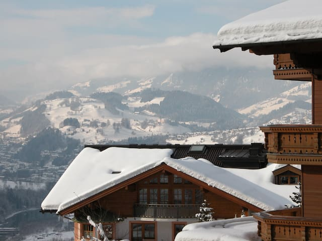 Alpendorf Skiing 100m to gondola - Sankt Johann im Pongau - Appartement