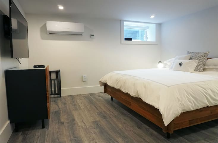 VanderMarck Suite B-1 - 2 Bedroom