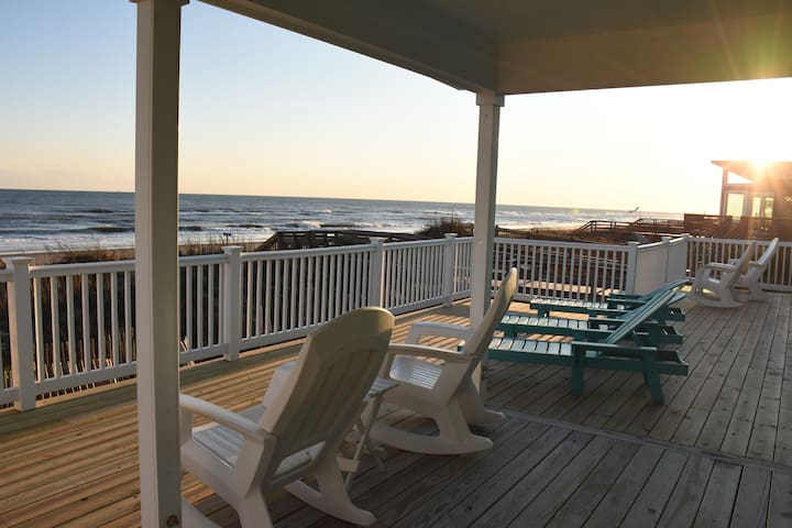 Isle Stay Awhile - Ocean Front Beach House
