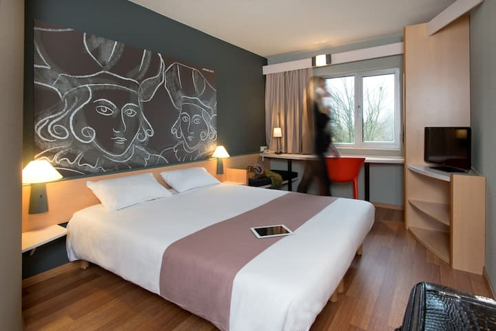 Comfortable rooms next to E40 motorway (Aalst)
