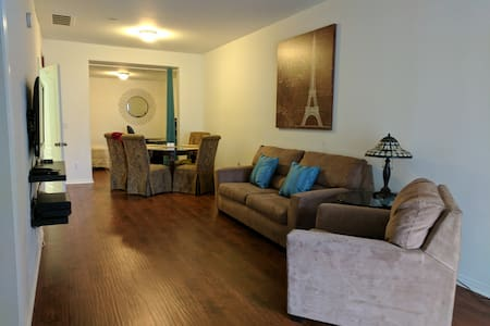 1 Bed,Den&Sleeper Sofa w/ Club Use - Fountain Valley - Appartement