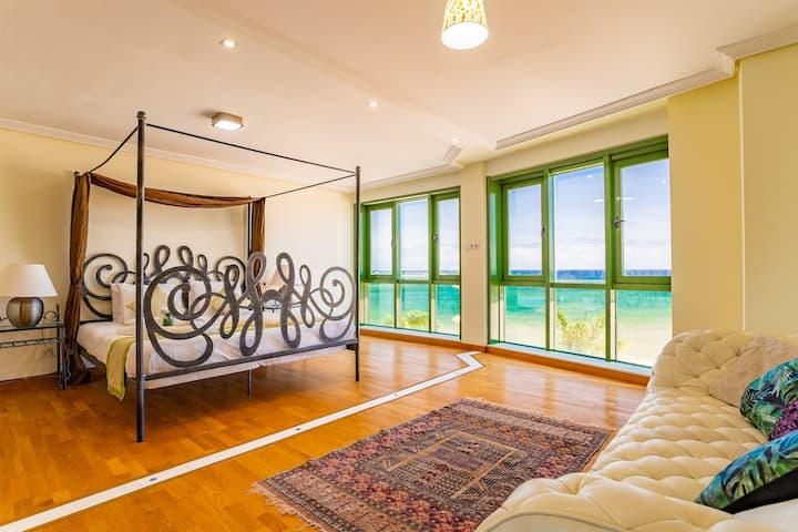 Arrecife Sands, Sea Views, Free WIFI, Promenade