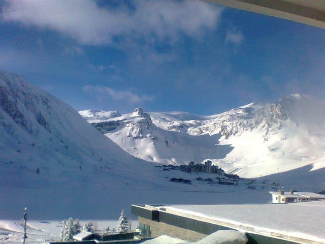 Skis au pied à Tignes le Lac - Tignes - Byt