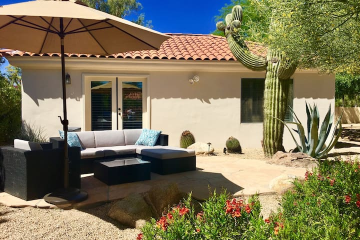 Private guest house in Paradise Valley