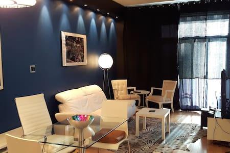 Stylish loft style Condo w Terrace - 蒙特利尔 - 公寓