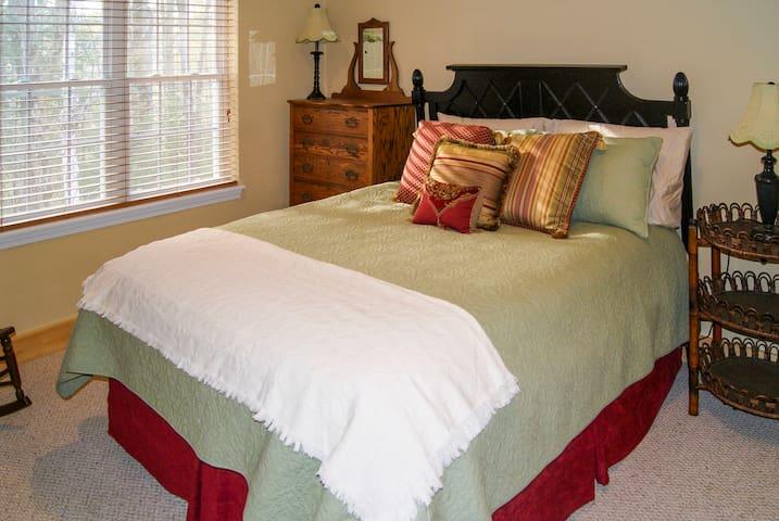 Upstairs bedroom 1 with queen bed