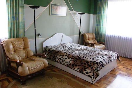 "Luxurious Guesthouse ""Lakštingala"""