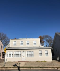 Completely renovated 3 blocks from the ocean - Point Pleasant Beach - 独立屋