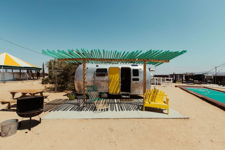 Hicksville Trailer Palace -The Sweet- Joshua Tree