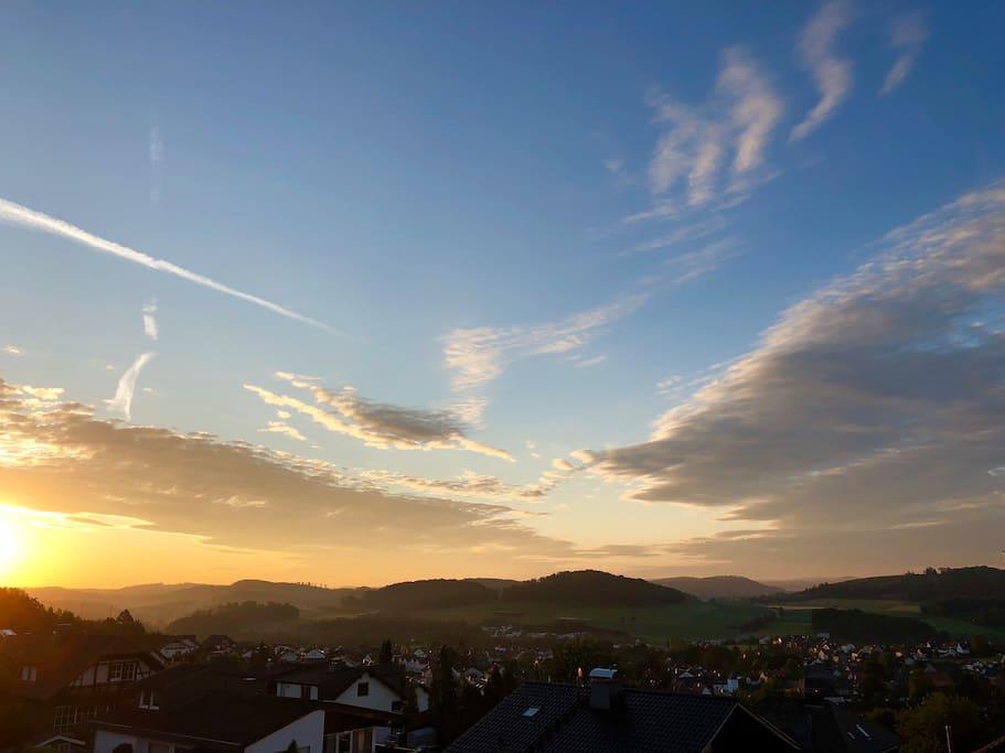 Sonnenaufgang über Balve - Garbeck