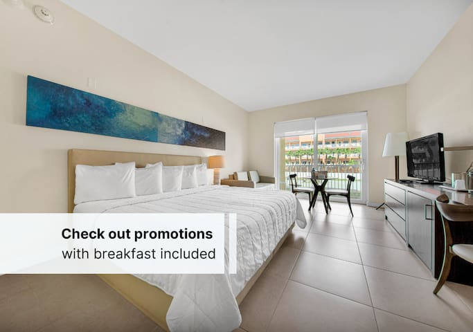 Super Offer +  Spa Credit $30.00 USD on a Modern & Homely Room + Free Parking