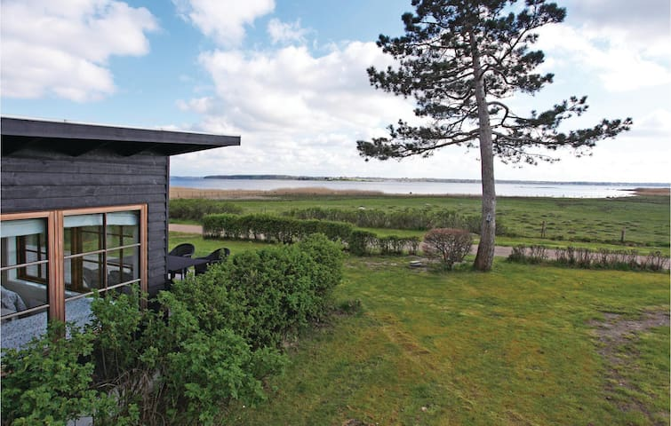 Holiday cottage with 2 bedrooms on 85m² in Holbæk