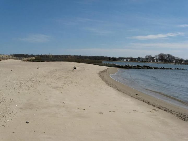 SaybrookManor - Beach is open for summer fun