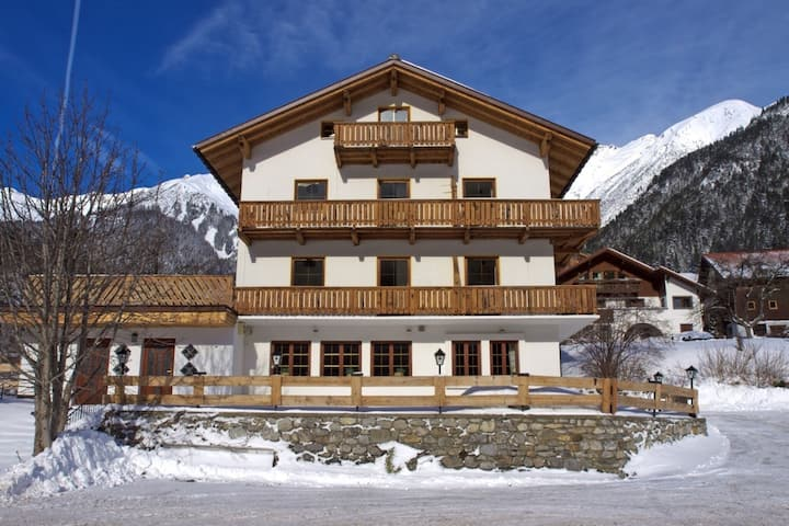 Belle maison près de St. Anton Am Arlberg avec sauna