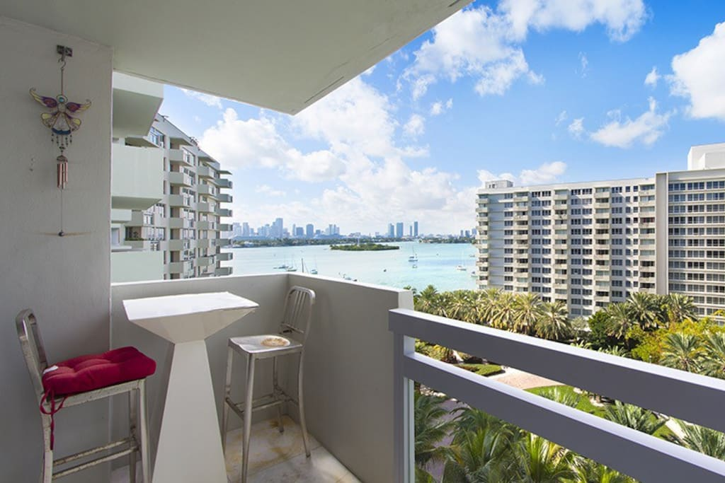 Sunny Spacious Luxury 1 Bedroom Apartments For Rent In Miami Beach Florida United States