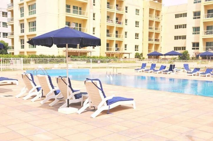 Fully Furnished 1BR in Al Dhafrah 2, The Greens