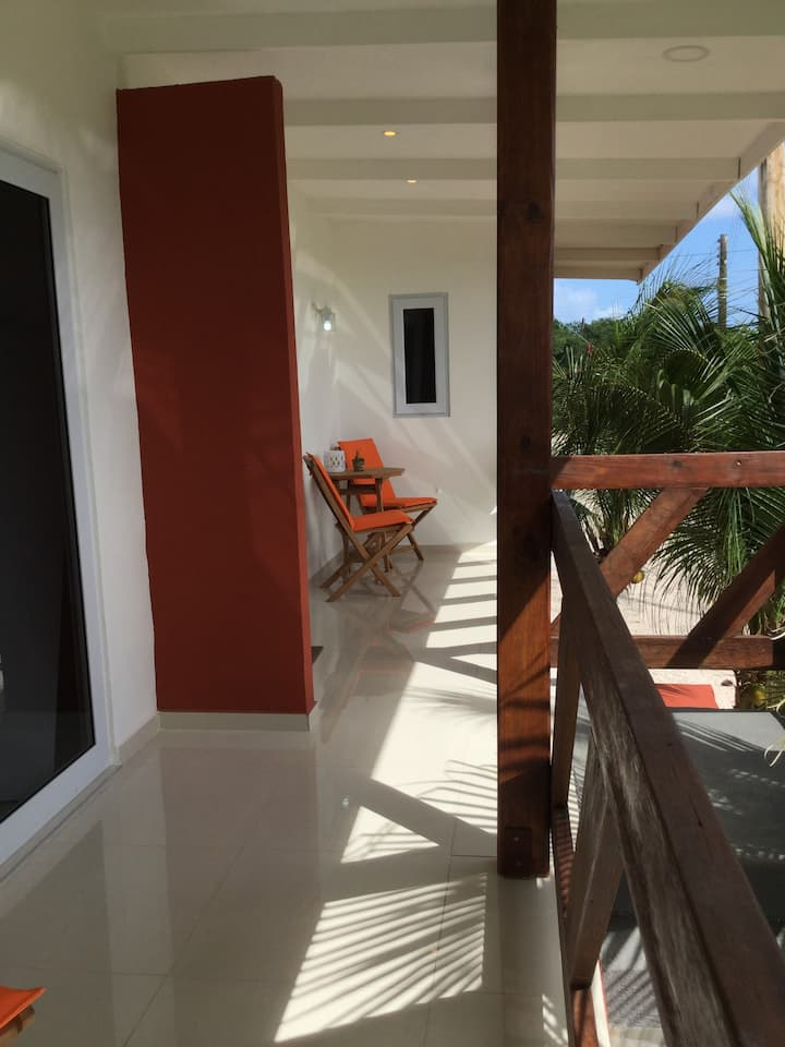 *NIEUW*centraal/landelijk gelegen, echte Curacao B