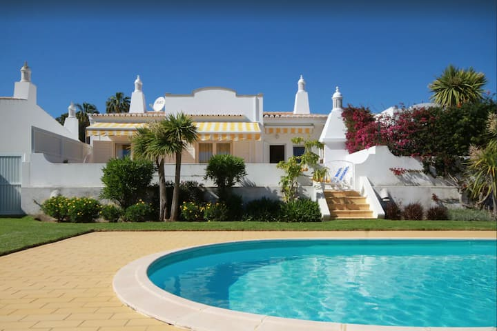 """Holiday Home """"Villa Meia-Praia"""" with Sea View, Pool, Wi-Fi, A/C, Terrace & Garden; Parking Available"""