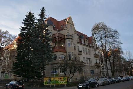 4 room apartment on the TU campus/MPI CPfS - Dresden